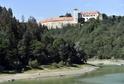 Nízký stav hladiny Vranovské přehrady u Bítova odkryl zaniklou vesnici (ilustrační foto).