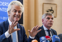 Geert Wilders (vlevo) a Filip De Winter.