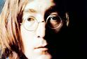 Zpěvák John Lennon.