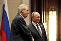 Český prezident Miloš Zeman (vlevo) a jeho ruský protějšek Vladimir Putin.