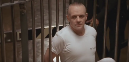 Anthony Hopkins jako Hannibal.