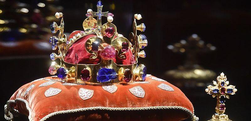Korunovační klenoty vystavují na Pražském hradě. Vstup zdarma  19e8856743c