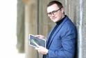 Český designer Petr Novague získal ocenění za barevný kartáček na zuby.