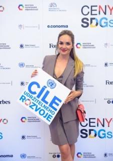 V současné době zastupuje český neziskový sektor v OSN a je ambasadorkou SDGs (Cílů udržitelného rozvoje).