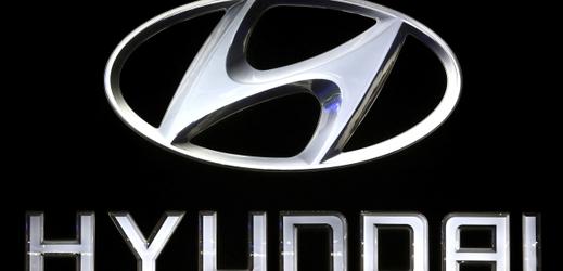 Logo automobilové společnosti Hyundai.