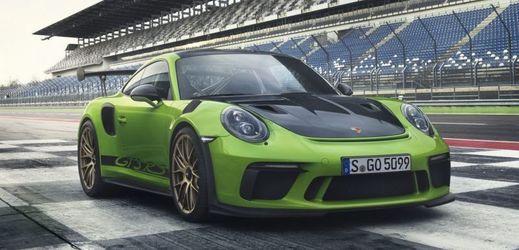 Porsche 911 GT3 RS zrychlí z nuly na 100 km/h za 3,2 sekundy a dosahuje nejvyšší rychlosti 312 km/h.