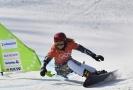 Ester Ledecká při tréninku na snowboardový závod.