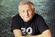 Jiří Menzel dnes slaví 80. narozeniny. Gratulujeme!