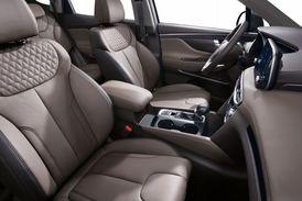 Nová generace Santa Fe poskytuje více komfortu cestujícím.