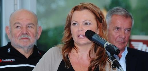 Karolína Topolová.