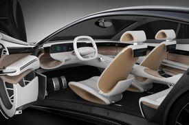 Sportovní charakter exteriéru je zachován také v interiéru vozidla.
