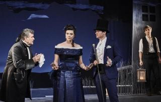 Záběr z představení Lucerna.