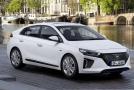 Bílá barva je oblíbená, a tak ji přední výrobci nabízejí. Jako třeba Hyundai v modelu Ioniq.