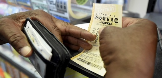 Lístek loterie Powerball.