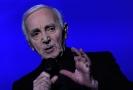 Zpěvák Charles Aznavour.