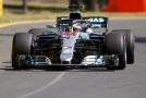 Britský pilot Lewis Hamilton ovládl oba tréninky v Austrálii.