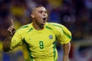 Bývalý brazilský fotbalista Ronaldo po dlouhých letech přiznal, proč jeho hlavu zdobil šílený účes.