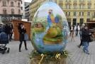 Chorvaté věnovali městu dvoumetrovou plastovou kraslici.
