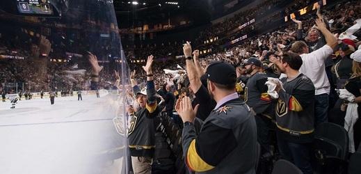 V Las Vegas nepředvádějí fantastickou podívanou pouze hokejisté, ale i fanoušci.