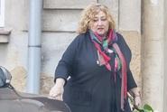 Přítel Haliny Pawlowské jí dělá taxikáře