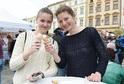 Návštěvnice na olomouckém festivalu ochutnaly například tvarůžkovou zmrzlinu. Foto je z roku 2017.