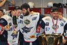 Hokejisté Komety Brno si užili mistrovské oslavy.