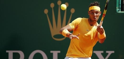 Tenista Rafael Nadal předčil po triumfu v Monte Carlu Američana Johna McEnroea .
