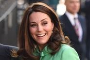 Kate přivedla na svět třetího potomka. Princi Williamovi porodila syna