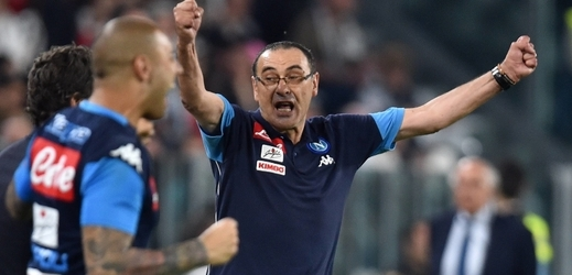 Fotbalisté Neapole se přiblížili Juventusu na jediný bod.