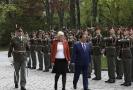 Ministryně obrany Karla Šlechtová přivítala v Praze svého iráckého kolegu ve funkci Irfana Hijalího.