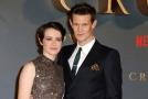 Claire Foyová a Matt Smith, představitelé královny Alžběty II. a prince Philippa v seriálu The Crown.
