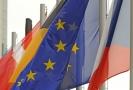Vlajka Evropské Unie, České Republiky a dalších států EU.