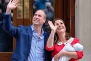 Kate s Williamem ukázali novorozeného syna