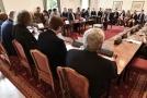 Jednání odborníků na ústavní právo.