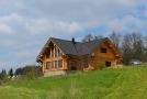 Poslední dva roky se v České republice staví přes 2 tisíce domů ze dřeva (ilustrační foto).