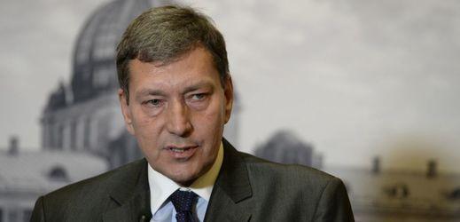 Ministr průmyslu Tomáš Hüner? Naprosto neviditelný.