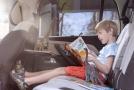 Řada zemí zakazuje kouření, pokud je v autě dítě (ilustrační foto).
