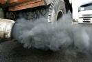 Těžké nákladní automobily se na celkových emisích silniční dopravy podílejí zhruba čtvrtinou.