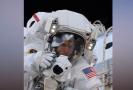 """Astronaut si zapomněl na zemi paměťovou kartu a nemohl natáčet na GoPro svou """"procházku vesmírem""""."""