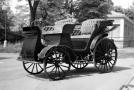 Z původního kočáru se stal automobil - prvním továrně vyráběným autem v českých zemí byl Präsident.