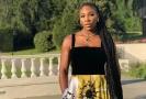 Serena Williams na královské svatbě nezklamala