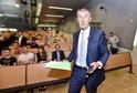 Premiér v demisi Andrej Babiš přichází 10. května 2018 přednášet na Národohospodářské fakultě Vysoké školy ekonomické v Praze o svých znalostech a zkušenostech v oblasti aktuální hospodářské politiky ČR, strategii a cílech vlády .