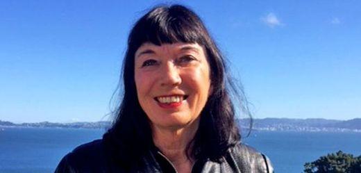 Catherine Healyová.