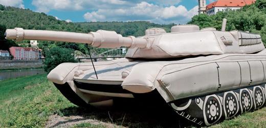 Cesko Svetova Velmoc Nafukovacich Tanku Tyden Cz