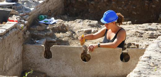 Práce na vykopávkách v Římě.