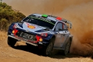 Hyundai Motorsport vede průběžné pořadí v hodnocení jezdců i konstruktérů.