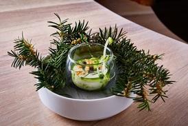 Pokrmy jsou inspirované českou přírodou a tradičními surovinami.