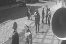 Snímek z filmu Atentát.