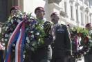 Náčelník Generálního štábu AČR Aleš Opata (třetí zleva) se zúčastnil 18. června 2018 u chrámu sv. Cyrila a Metoděje v Praze pietní vzpomínky na výsadkáře, kteří před 76 lety spáchali atentát na říšského protektora Reinharda Heydricha.