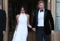 Stella McCartney prodává repliky šatů vévodkyně Meghan, které měla na svatební hostině.